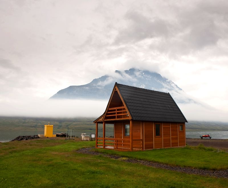 Wondrous Top 10 Cottages In Iceland The Best Places To Stay Around Download Free Architecture Designs Meptaeticmadebymaigaardcom