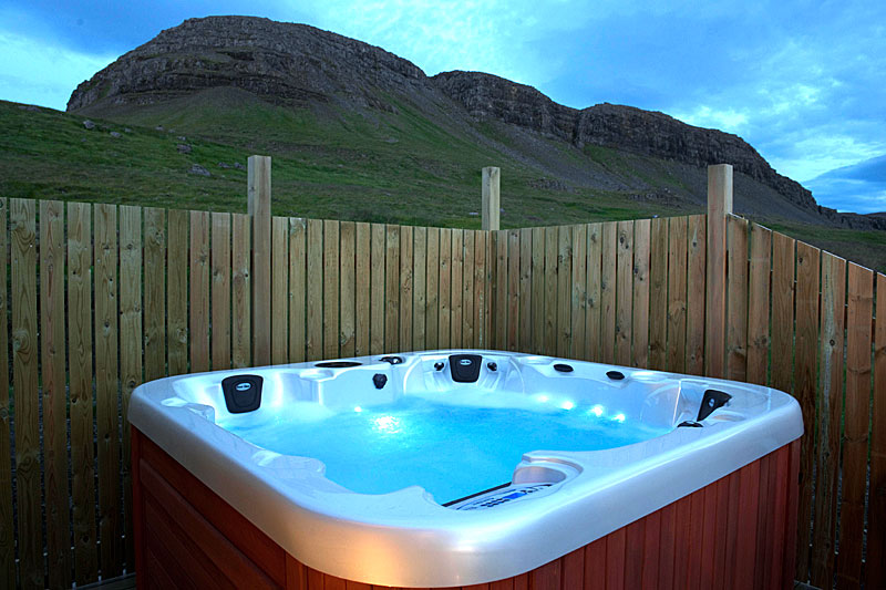 Thurranes vacation rental in Iceland with jacuzzi